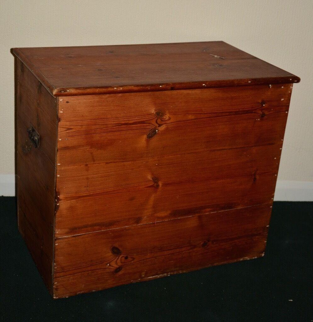Vintage Pine Blanket Box