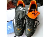 Mizuno Timaru mens rugby boots size 11 boxed & unused