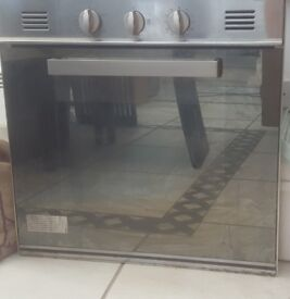 Gas Oven in really good condition for sale