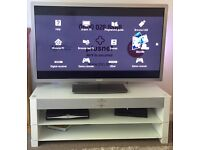 "47"" 3D smart tv and sound bar tv stand"