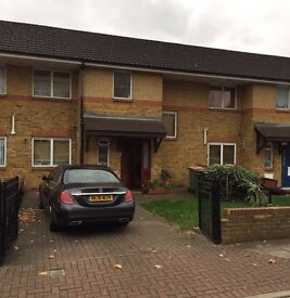 Large 3Bed in Docklands,Swap for 3 Bed House/ New build Flat only-Front & back garden big driveway