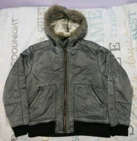 MENS RIVER ISLAND HOODED JACKET SIZE M