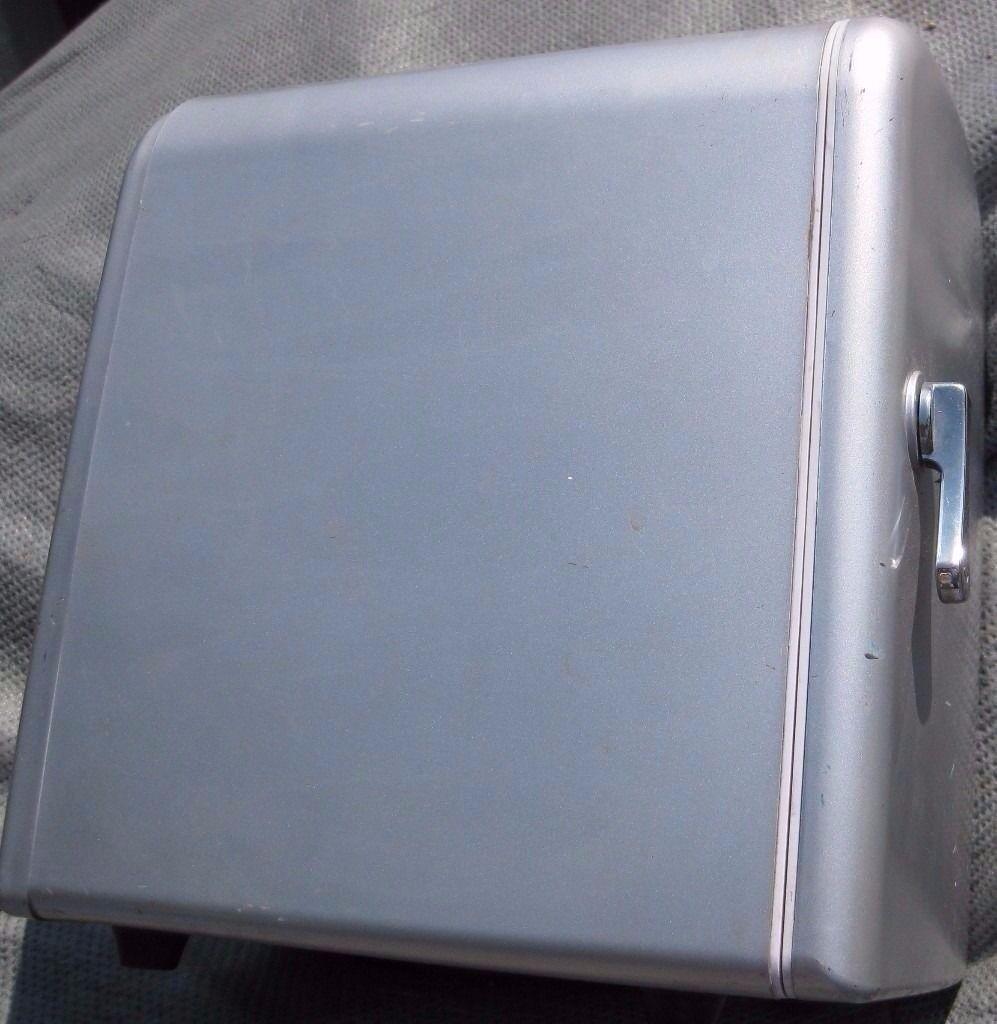 Portable Mini food drink Cooler Chiller Heater Warmer 12v & 240v