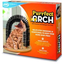 Cat self grooming, massage & scratch kit