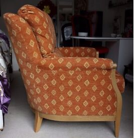 Easy chair. Oak frame. Excellent quality. Only for sale because we urgently need space