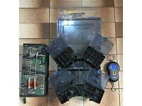 **NEW WYCHWOOD TACKLE BOX / 2 X 30+ BOBBINS / CAMO RIG WALLET / DIGITAL SCALES **