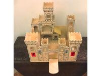 Melissa & Doug - Folding Medieval Castle - Fantastic traditional wooden toy!