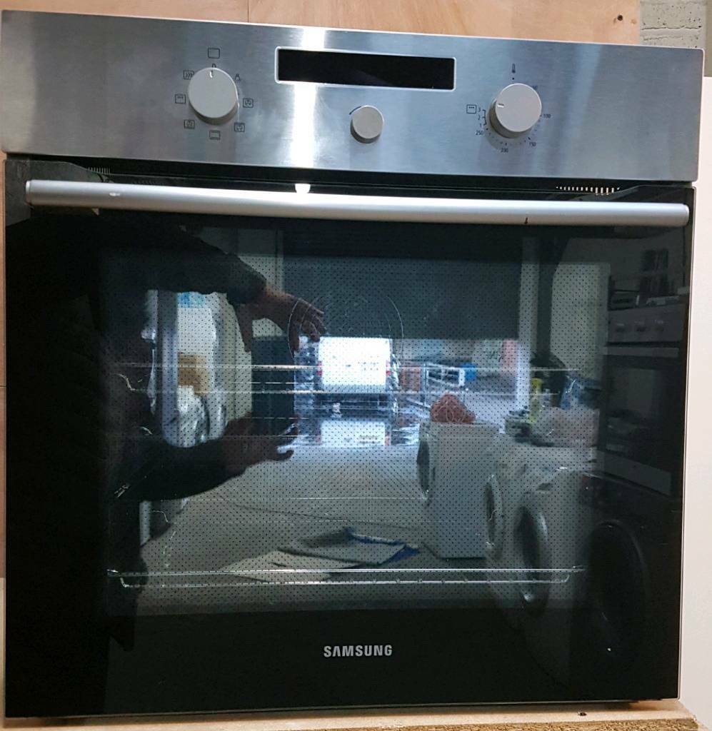SAMSUNG DOUBLE FAN ASSISTED OVEN **FREE LOCAL DELIVERY 3 MONTHS GUARANTEE**