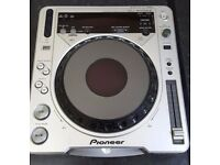 Pioneer CDJ 800 MK2 CD/MP3 Turntable