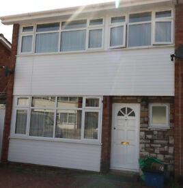 3 Bedroom semi detached house for rent in Chadwell Heath