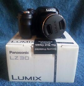 PANASONIC LUMIX DMC-LZ30 BRIDGE CAMERA - USED WITH BOX, EXCELLENT CONDITION