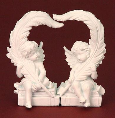 2er Set Engel mit Feder bilden ein Herz Engelfigur je 19 cm