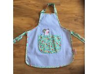 M & S Marks and Spencer girls Apron Emily Button age 3-6