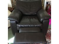 Leather electric recliner (lazy boy) good condition