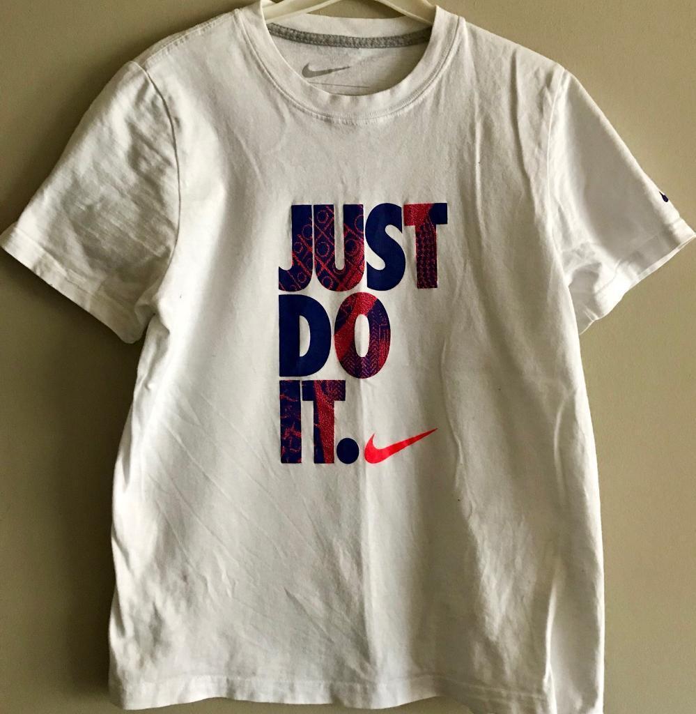 Boys 12/13 yrs Nike t shirt