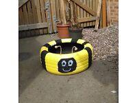 Children's garden planter & seat