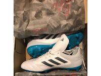 Adidas football boots Men's size 10.5