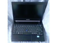 Powerful Samsung Laptop Core i3 - Good Condition - Includes Warranty