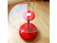 RED GLASS COFFEE SIDE TABLE. MODERN DESIGN.