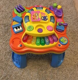 Musical play table