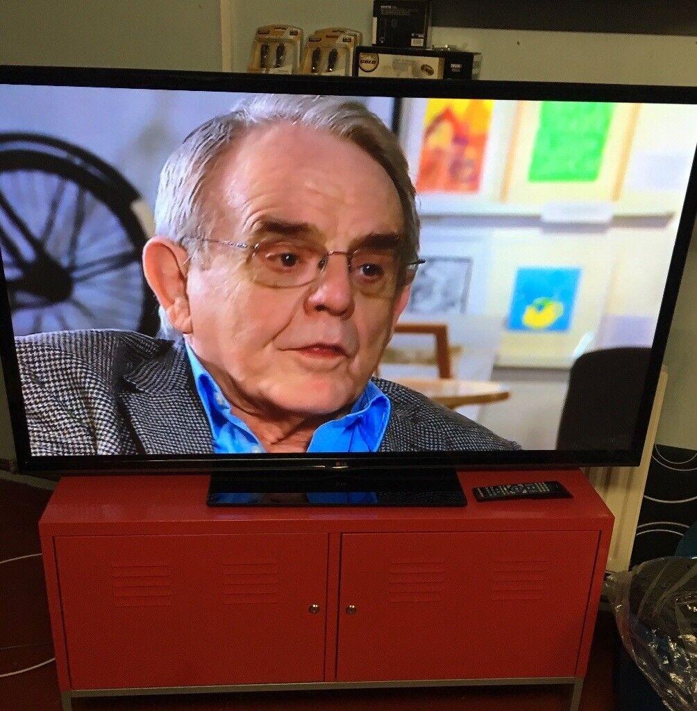 "LG 60"" Smart TV Full HD Ready"