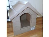 PLASTIC WIND PROOF DOG KENNEL