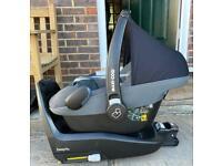 Maxi Cosi Pebble Plus Car Seat & 2WayFix Isofix Base