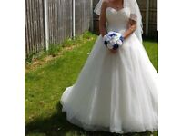 Beautiful wedding dress size 10/12