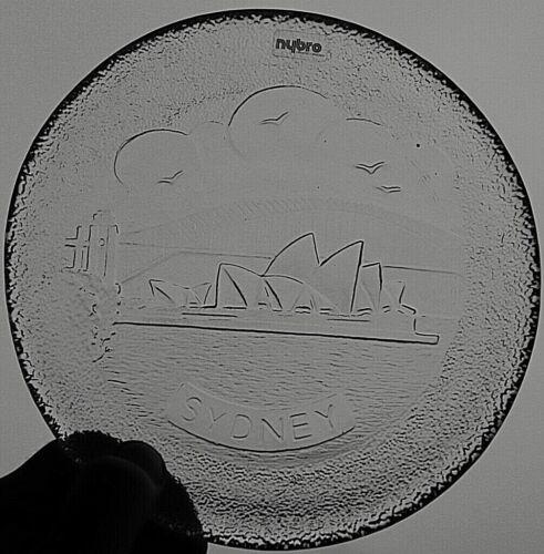 Retro Nybro Swedish Crystal Glass Plate Sydney 18 cm diameter 465 g