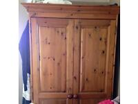 Pine wardrobe great condition