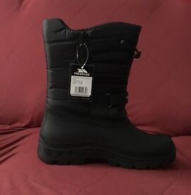 Brand New Trespass Mens Dodo Snow Boots, Size 12
