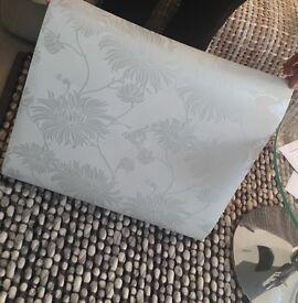 Laura Ashley Kimono wallpaper 3 rolls