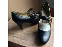 (Unworn) Size6 decorative shoes with 3 inch heels.
