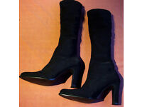 Lady's High Boots - Black Size 5