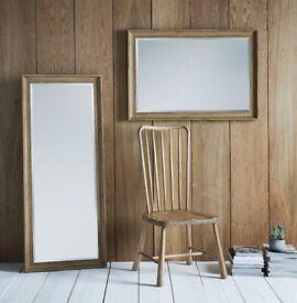 Full length mirror. Oak veneer. Modern. Bevelled.