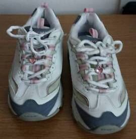 Sketchers D'Lites girls trainers size 13.5