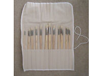 17 artist paint brushes in linen roll for oils or acrylic