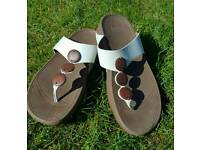 Leather 'Fit Flops' size 6