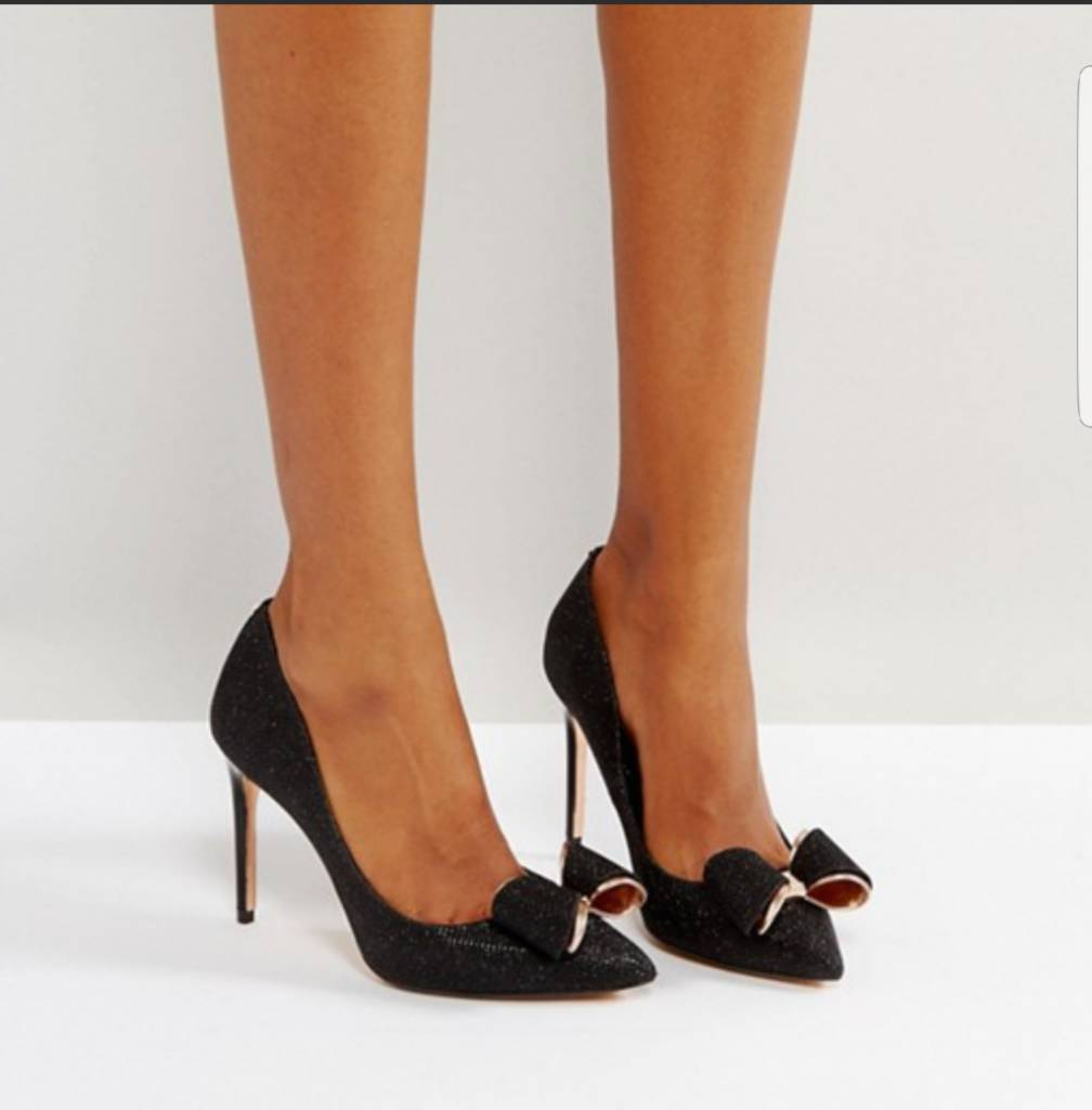 ab46757cb4fe15 Ted Baker Bow Heels size 4