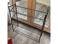 Metal shoe rack in perfect condition