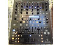 Behringer DDM4000 professional DJ Mixer - superb condition