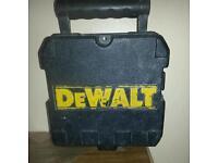 DEWALT DWOBB 4.5v SELF LEVELING LASER LEVEL IN GREAT CONDITION BARGAIN AT £70