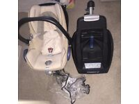 Maxi cosi car seat, base and rain cover. Very good condition and includes newborn insert.