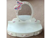 Girls vanity dressing table
