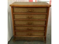 Display chest or chest of drawers