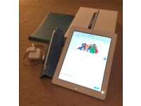iPad 3 16gb white with extras - Excellent like new condition