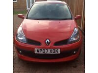 Renault Clio dynamique red