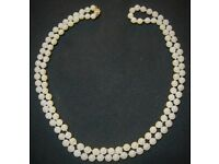A-STUNNING-SINGLE-ROW-of-CULTURED-PEARLS-96-cm-120-Pearls-9-CARAT-GOLD-CLASP