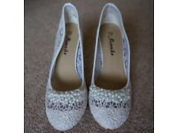 Pair of wedding shoes Size 37, fine lace, hand decorated with pearls. Never used.