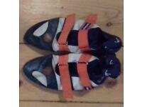 Climbing shoes size 10.5 UK Tenaya
